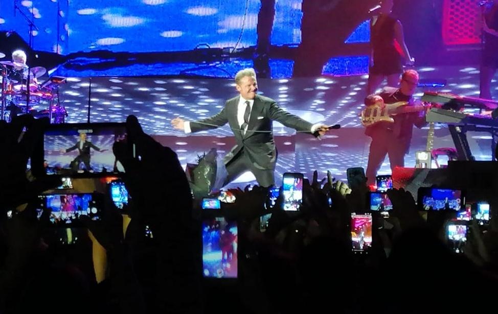 Luis Miguel se quebró hasta las lágrimas en un show en vivo
